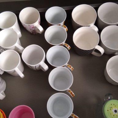 כוסות מסודרות